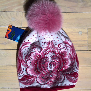 Pompom hat with mink pompom and crystals